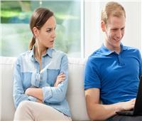احذري.. 5 علامات تدل على إهمال زوجك لك