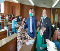 القائم بأعمال رئيس جامعة بنها يتابع الامتحانات بكليتي الزراعة وطب بيطري