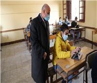 التعليم: 648 ألف طالب بالصف الأول الثانوي يؤدون الامتحانات اليوم إلكترونيًا