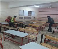 استمرار عمليات تطهير المدارس ومحيطها في منشأة القناطر بالجيزة.. صور