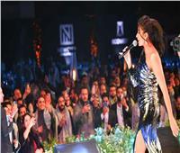 روبي تتألق بـ«حتة تانية» في حفل على سفح الأهرامات| صور