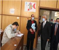رئيس جامعة المنوفية يتفقد سير الامتحانات بالكليات وتطبيق الإجراءات