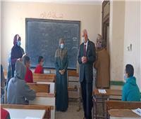 مدير تعليم القليوبية يوجه بتطهير وتعقيم المدارس بكفر شكر