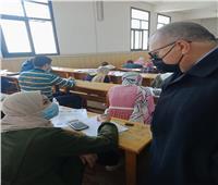 نائب رئيس جامعة السادات يتفقد الإمتحانات بكلية التجارة