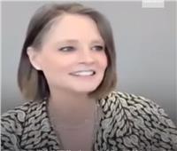 «حافية بالبيجاما».. جودي فوستر تثير الجدل بحفل «جولدن جلوب»|فيديو