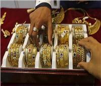 التحفظ على مشغولات ذهبية وفضية بدون دمغات حكومية