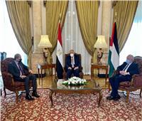 وزير الخارجية يبحث ملف عملية السلام مع نظيريه الأردني والفلسطيني