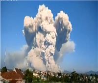 «حين تغضب الطبيعة».. بركان جبل سينابونغ بإندونيسيا |فيديو