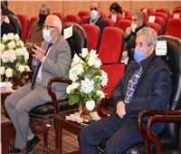 محافظ بورسعيد يتابع مستجدات تحويل ١٧ محطة وقود للعمل بالغاز الطبيعي