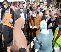 محافظ الغربية ونواب طنطا يشهدون فعاليات القافلة الاجتماعية بـ«إخناواي»
