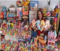 أم بريطانية تنفق 1000 جنيه إسترليني لشراء ألعاب طفولتها