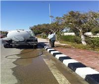 تكثيف حملات النظافة وغسيل الأرصفة بحي «المطار» فى «الأقصر»