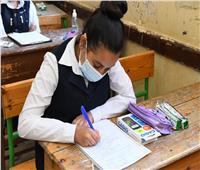 محافظ قنا يلتقي طلاب «إعدادي وثانوي» في امتحانات الترم الأول  صور