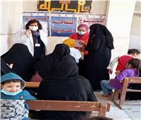 الكشف على 610 حالات في قافلة طبية مجانية بقرية الرفشة بقنا