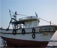 شيخ صيادي السويس يوضح موعد عودة طاقم المركب الغارق