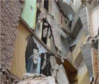 انهيار عقار مكون من طابقين بقرية البرشا في المنيا