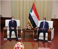 بدء اللقاء الثنائي بين الرئيس السيسي والبرهان بالعاصمة السودانية