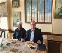 «فطير مشلتت» لسفير الاتحاد الأوروبي خلال زيارته للمعالم الآثرية بالمنيا