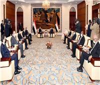 فيديو| «حميدتي» للرئيس السيسي: حريصون على الاستفادة من خبرات مصر في كافة المجالات