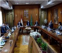 رئيس الوزراء يلتقى أعضاء مجلس جامعة المنوفية خلال زيارته للمحافظة