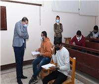 الجامعة الإلكترونية وطب بشري سوهاج يواصلان امتحاناتالتيرم الأول