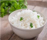 طريقة عمل الأرز الأبيض بالثوم وفوائده