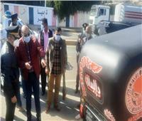 محافظ أسوان يتابع ميدانياً الحملات المرورية لمواجهة مخالفات التوك توك