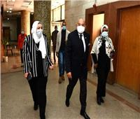 نائب رئيس «عين شمس» يٌشيد بتطبيق الإجراءات الاحترازية خلال الامتحانات
