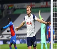 توتنهام الإنجليزي يرفض التعليق على رغبة رحيل هاري كين عن الفريق