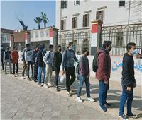 المدارس تتحفظ على هواتف طلاب «الأول الثانوي» قبل دخولهم اللجان