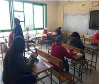 «الجيار» يتابع امتحانات الصف الأول الثانوي من غرفة العمليات