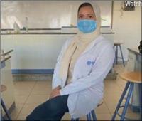 «فتاة» انتصرت على السرطان واتجهت لمساعدة المرضى| فيديو