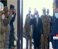 لحظة وصول الرئيس السيسي مقر الندوة التثقيفية للاحتفال بيوم الشهيد
