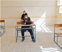 1676 طالبا بالصف الثاني الثانوي يواصلون أداء الامتحانات بالوادي الجديد