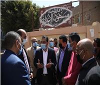 نائب محافظ قنا يستمع لشكاوى أهالي أبوتشت ويتعهد بحلها