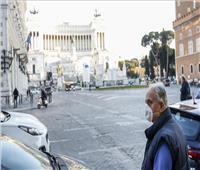 إصابات كورونا اليومية في إيطاليا تسجل 19749 حالة