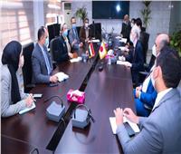 وزيرة البيئة تبحث مع السفير الياباني الحد من استخدام الأكياس البلاستيكية