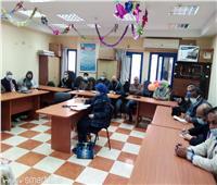 وكيل وزارة التربية والتعليم بمطروح يجتمع مع مديري الإدارات النوعية
