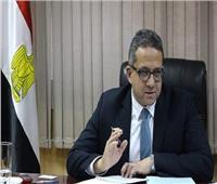 خالد العناني: تطوير وسائل النقل يدفع الحركة السياحية للأمام