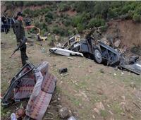 مقتل وإصابة 66 شخصًا إثر سقوط حافلة بواد في إندونيسيا