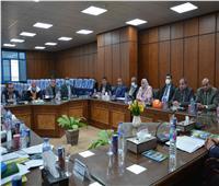 محافظ المنيا يعقد اللقاء الدوري مع نواب البرلمان
