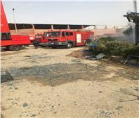الحماية المدنية تواصل إخماد حريق مصنع ملابس بالعبور   فيديو