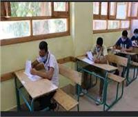 ضبط طالب ثانوي حاول التعدي على مراقب اللجنة بآلة حادة في بني سويف