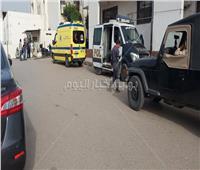 وصول عربات الإسعاف بمصابي مصنع العبور لمستشفى السلام | فيديو