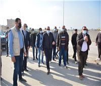 صور  محافظ الجيزة يتابع أعمال إزالة عقار مخالف بجوار «الدائري» بكرداسة