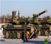 مجموعة «دبابات تي-90» جديدة تدخل الخدمة في الجيش الروسي.. فيديو