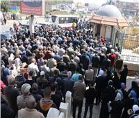 أداء صلاة الجنازة على الكاتب الصحفي عباس الطرابيلي
