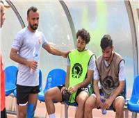 لاعبو الأهلي يطمئنون على حالة محمد هاني