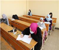 نائب رئيس جامعة عين شمس يشيد بإجراءات كلية الألسن خلال الامتحانات