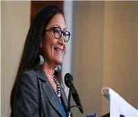 «تنتمي للسكان الأصليين».. من هي وزيرة داخلية أمريكا الجديدة؟
